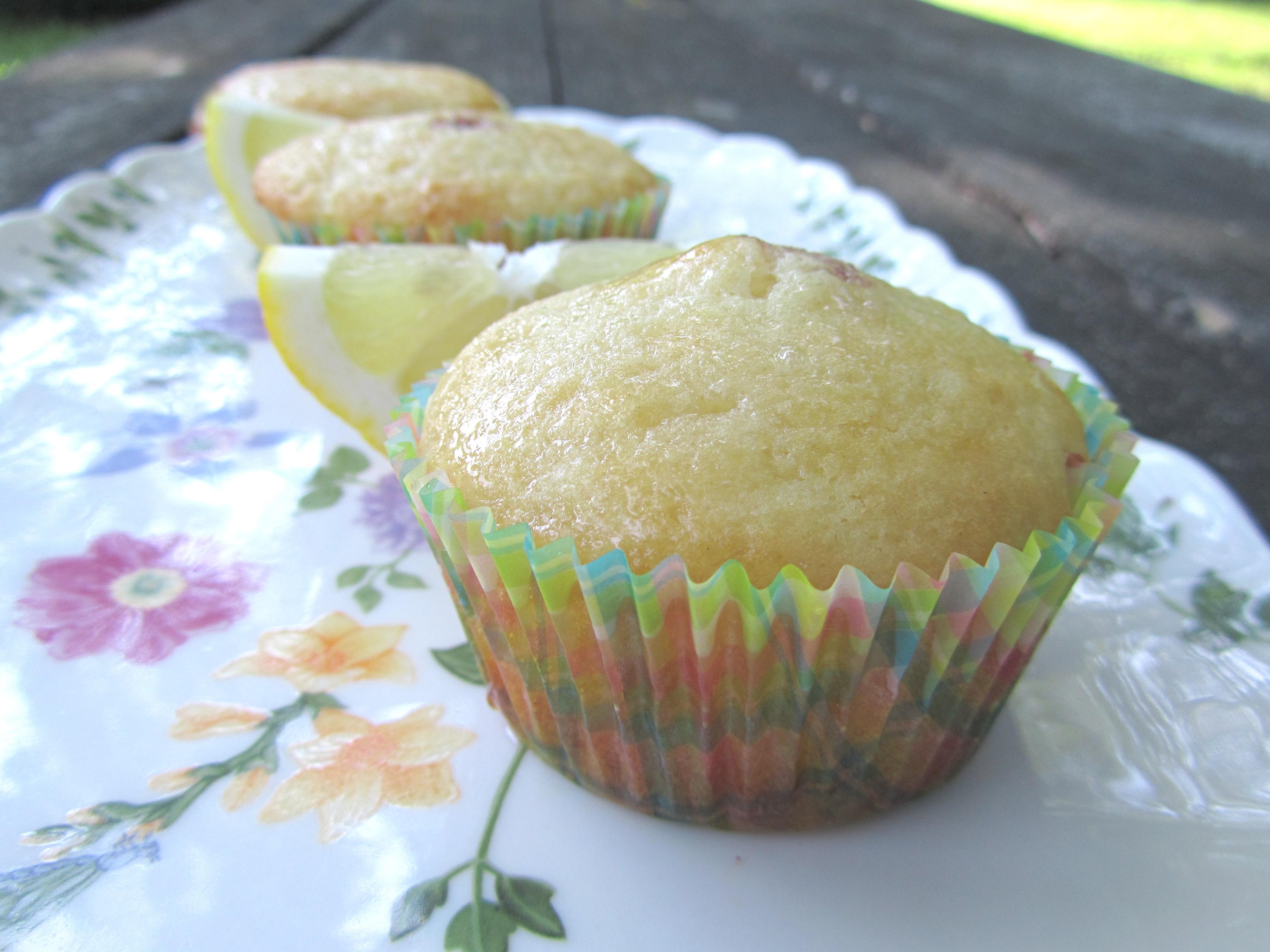 Weekend Brunch: Lemon Yogurt Muffins | the purple spoon